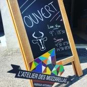 Horaires d'été ☀️#mozzarella #burrata #localfood #locavore #artisanatfrancais #summer #annecy #hautesavoie #lyon #cheeseaddict #fromagerie